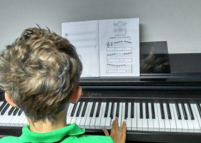 Música – Piano y Órgano